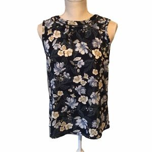 41 Hawthorn  top, blue & white floral on navy, med